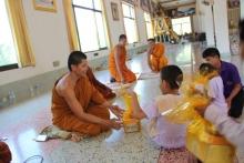 นำนักเรียนทำจัดกิจกรรมเข้าวัดฟังธรรมกับกิจกรรมวันวิสาขบูชา