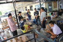 ในวันที่ 9 กรกฎาคม 2558 คณะจากทีมงานโทรทัศน์ ไทยพีบีเอส thai pbs เข้ามาถ่ายทำการเรียนการสอนใกับศิลปะในการพัฒนานักเรียนที่มีความบ