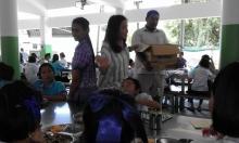 คุณมุ้งมิง ได้มาเลี้ยงอาหารกลางวันและขนม เด็กๆ เนื่องในวันคล้ายวันเกิด
