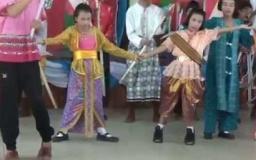 Embedded thumbnail for กิจกรรมวันอาเซียน ปีการศึกษา 2558